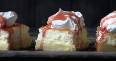 Tässä pannarissa on yksi taikina, mutta kolme kerrosta. Ice Cream Pies, No Bake Cake, Sweet Treats, Cheesecake, Deserts, Food Porn, Brunch, Goodies, Food And Drink