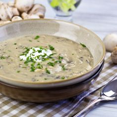 Cream of Mushroom and Wild Rice Soup - oh, ya! Im trying this with my big bunch of onions, celery, cauliflower and mushrooms I just got in my organic veggie box! Looks wonderful!