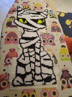 Fairy castle perler beads by Katie Binesh Diy Perler Bead Crafts, Diy Perler Beads, Perler Bead Art, Pony Bead Patterns, Perler Patterns, Beading Patterns, Hama Beads Halloween, Christmas Perler Beads, Pearl Beads Pattern