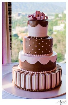 Four tier round unique custom wedding cake ideas 6 - Wedding and birthday cake unique modern ideas, designs, and pictures