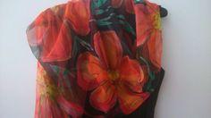 Papaveri sulla mano sciarpa di Chiffon nero di SilkLetters su Etsy