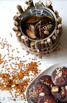 Cadeau gourmand : mendiants dans leur jolie boite récup'. DIY et recette dans l'article.