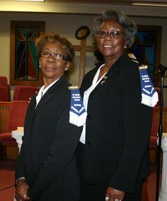 What are the duties of an usher at a Baptist church?