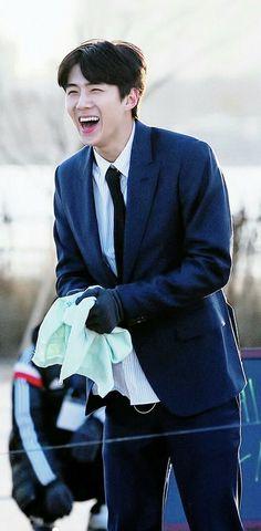 Esse sorriso ilumina meu dia 💖 Exo, Chanyeol, Hunhan, Yixing, Ships, Angel, Celebrities, Baby, Smile