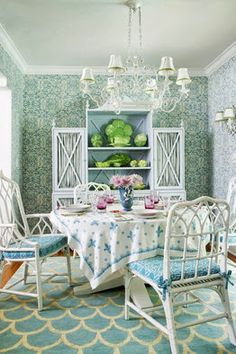 Haus and Home: Dodie Thayer's Palm Beach Lettuce Ware Palm Beach Regency, Palm Beach Florida, Miami Beach, Florida Design, Miami Houses, Shabby, Beach Bungalows, Beach Cottages, Decoration