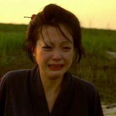 츠치야안나를 좋아합니다. 사쿠란 이라는 영화에서 제가 가장 좋아했던 얼굴이예요 신선한순간 입니다.