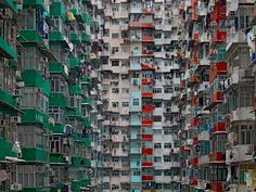 """MICHAEL WOLF'S """"THE ARCHITECTURE OF DENSITY"""""""