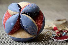 Patchwork ball for litlle tree / Šiju-Žiju. Food, Scrappy Quilts, Essen, Meals, Yemek, Eten