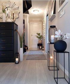 Interior Design Career, Interior Design Living Room, Living Room Decor, Bedroom Decor, Bedroom Ideas, Wall Decor, Hallway Decorating, Interior Decorating, Decorating Ideas