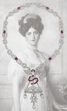 An early century diamond and ruby pendent necklace Lot The Belle Epoque pendant designed as a stylised basket of flowers. The Belle Epoque, Belle Epoch, Collar Art Deco, Art Deco Necklace, Ruby Necklace, Diamond Necklaces, Bead Necklaces, Diamond Jewellery, Pendant Necklace