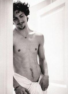 Aaron Johnson Ohhhh He is SOOO Gorgeous~