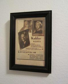 Tee-se-itse-naisen sisustusblogi: Vintage Advertisement In Spray-painted Frames