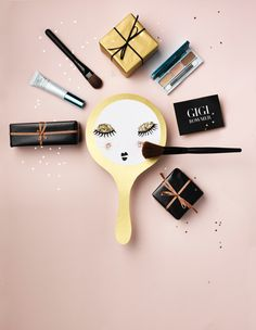 Beauty Werf in JAN Magazine Photography by Frank Brandwijk | 'Pink Gifts' 'Beauty' 'Present Make Up' 'Estee Lauder' 'Paper Cuttings' 'Photo Illustration'