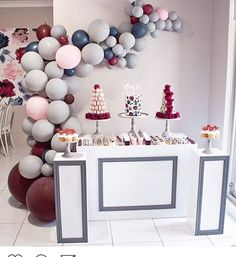 This is gorgeous styled by @sweetpea_events love the colour way with @sugarcoated_favors @prettypedestals @doms.strawberries.delight @jkcakedesigns @littleeventboutique