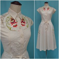 Vintage dress, 1970s cream summer dress, Beautiful floral embroidery and pin tuck detail, body conscious fit, 50s inspired, Folk / Festival