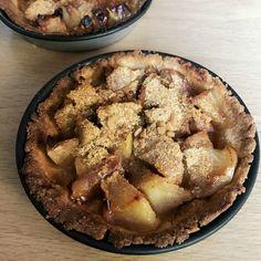 Succès assuré avec une tarte aux pommes, c'est le dessert consensuel par excellence. Avec du sirop d'érable tous les réfractaires sont obligatoirement conquis. Et pour finir la pâte, faites des tartelettes, elles seront appréciées par les absents.      J'aime l'association pomme et sirop d'érable, je la décline souvent notamment dans ce …