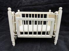 Dollhouse Miniature Nursery Furniture Crib with Sliding Side White Wood #Unbranded