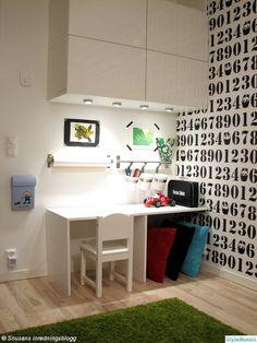 arbetshörna,barnrum,skrivbord,platsbyggt,förvaring,pysselhörna,väska,granit,ikea
