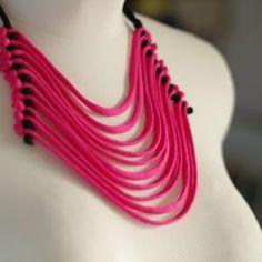 BITBYBIT nyaklánc pink/fekete színben / BITBYBIT necklace - pink/black