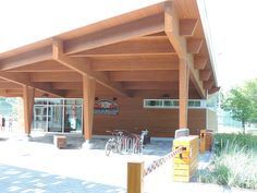 Take a look at this commercial building in Beaupré Quebec. Maibec's siding have been used for this project. Quebec, Pergola, Commercial, Outdoor Structures, Wood, Building, Outdoor Decor, Projects, Home Decor