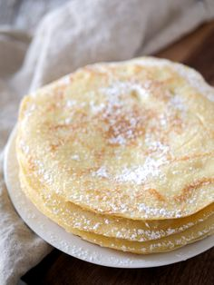 I've got a new, scrumptious pancake recipe for you! I got this recipe from my aunt years ago, and it's been a family favorite ever since. Swedish pancakes are si… Swedish Pancakes, Pancakes Easy, Pancakes And Waffles, Breakfast Juice, Breakfast Dishes, Breakfast Recipes, Breakfast Ideas, Yummy Pancake Recipe, Yummy Food