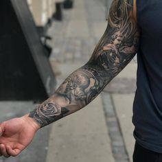 Super detailed sleeve Artist I