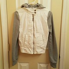 MONDAY SALE Gray and white hoodie jacket Lowered the price today.. Good for everyday use, matches with shorts or jeans, pic. 4 shown that its been washed few times but over all is still in good condition, no rips or stains. Boy meets girl Jackets & Coats Jean Jackets