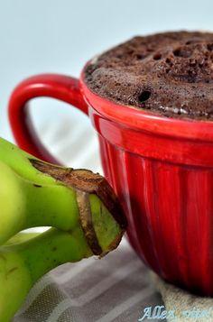 Mug cake Tassenkuchen Mikrowelle healthy gesund ohne Mehl glutenfrei Ihr braucht: 1 reife Banane, 1 Ei, 1 EL Milch, 1 EL Zucker, 2 EL ungesüßtes Kakaopulver, 1 Messerspitze Backpulver