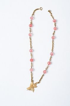 @styliefrenchie A go-to necklace to add interest to any outfit!