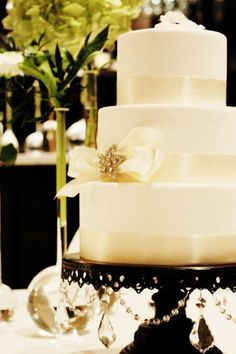 Winter Wedding Cakes Wedding Cakes Photos on WeddingWire