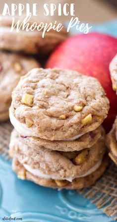APPLE SPICE WHOOPIE PIES RECIPES These homemade apple whoopie pies are filled with cinnamon spice and baked apples. These sweet apple cookies are filled with a rich, cinnamon cream cheese filling. Theyre soft, sweet, and taste like => Click image or visit Thanksgiving Desserts Easy, Quick Easy Desserts, Fall Desserts, Friends Thanksgiving, Cinnamon Desserts, Apple Recipes, Fall Recipes, Cookie Recipes, Dessert Recipes