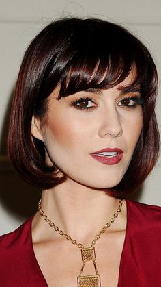 Mary Elizabeth Winstead with short hair