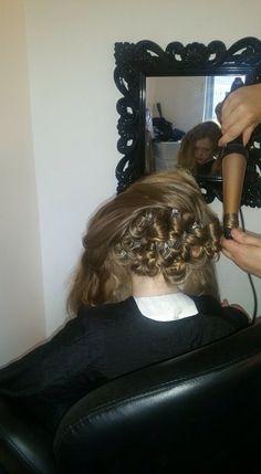 Classic set pin curls