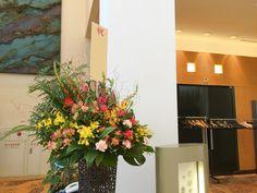 ショー開催 受付用スタンド花