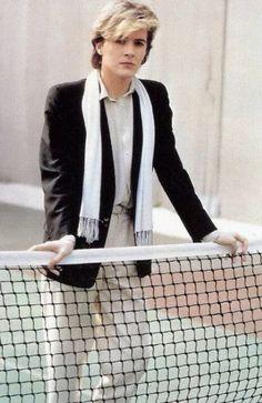 Tennis-playing David