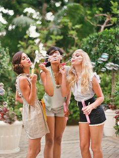 summer lovin' with your girlfriends...