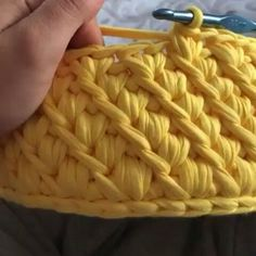 I love learning new stitch techniques, because it helps me to increase the variety on my crochet projects. I want to show you the jasmine crochet stitch. Stitch Crochet, Tunisian Crochet, Crochet Motif, Slip Stitch, Diy Crafts Crochet, Crochet Projects, Crochet Bowl, Crochet Stitches Patterns, Crochet Purses