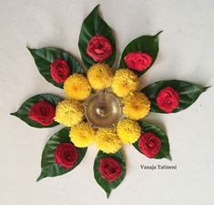 Top best pattern flower rangoli designs that are not only beautiful but also make your Pongal 2020 colorful. Easy Rangoli Designs Diwali, Rangoli Designs Flower, Colorful Rangoli Designs, Rangoli Designs Images, Flower Rangoli, Simple Rangoli, Diwali Craft, Diwali Diy, Diwali Decorations At Home