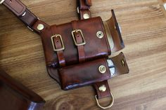 Post with 43907 views. I made a leather shoulder holster to hold my everyday carry items (phone, wallet, etc) Leather Holster, Leather Pouch, Leather Tooling, Leather Carving, Tactical Pocket Knife, Tactical Gear, Everyday Carry Items, Swiss Army Pocket Knife, Engraved Pocket Knives