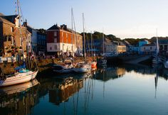 Rick Stein's flagship in Padstow, Cornwall - The Seafood Restaurant. Enjoy the freshest Cornish catch cooked to Rick's classics recipes. Visit Devon, Rick Stein, Standing Bath, Famous Recipe, Devon And Cornwall, Seafood Restaurant, Beautiful Bathrooms, Lunches And Dinners, Places To Eat