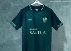This is the new third football shirt for Al Ahli of Saudi Arabia, made by Umbro. Sports Jersey Design, Football Design, Football Kits, Football Jerseys, Soccer Outfits, Fifa 20, Sport T Shirt, Jersey Shirt, Bmx