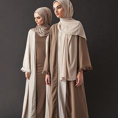 Earthy hues and minimalistic style. Washed Sand Textured Kimono Vintage Khaki Cotton Jersey Slip Dress Mink Tencel Hijab - Vintage Khaki Kimono with Fringing Feather Grey Slip Dress Sand Soft Crepe Hijab Modern Hijab Fashion, Hijab Fashion Inspiration, Islamic Fashion, Abaya Fashion, Muslim Fashion, Modest Fashion, Abaya Mode, Mode Hijab, Abaya Designs