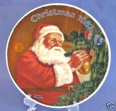 Vintage Knowles Norman Rockwell Santa's Golden Gift Holiday Collector Plate 1987