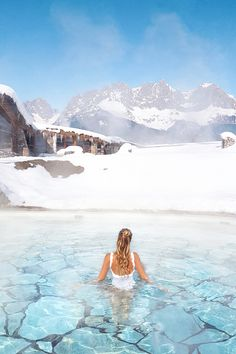 Pool time in winter at the Stanglwirt | Kitzbühel, Austria: http://www.ohhcouture.com/2017/02/stanglwirt-kitzbuehel-austria/ | #ohhcouture #leoniehanne