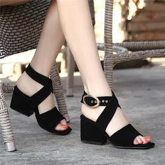 2017 summer new models with thick and open toe fish mouth sandals high-heeled square head Roman sandals female plus size Thick Heels, Black High Heels, Chunky Heels, Divas, Leather Sandals Flat, Flat Sandals, Suede Leather, Roman Sandals, Fancy Shoes