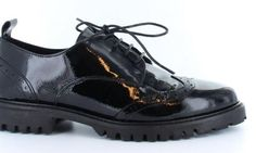 For the love of shoes Tango Shoes, It Takes Two, Dr. Martens, Combat Boots, Bee, Take That, Fashion, Moda, Honey Bees