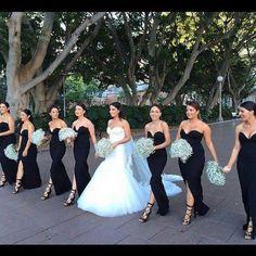 Vestidos para Madrinhas Preto. Para as noivas que gostam, e chique, elegante e super na moda em outros países.