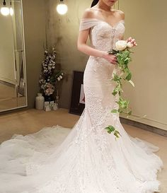 white wedding dresses, white bridal gown, off the shoulder wedding dresses, 2017 wedding dresses, wedding dresses with appliques, elegant wedding dresses