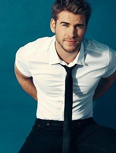 Liam Hemsworth, yes ladies... just continue to stare and drool