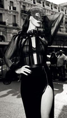 femme-fatale-glamour